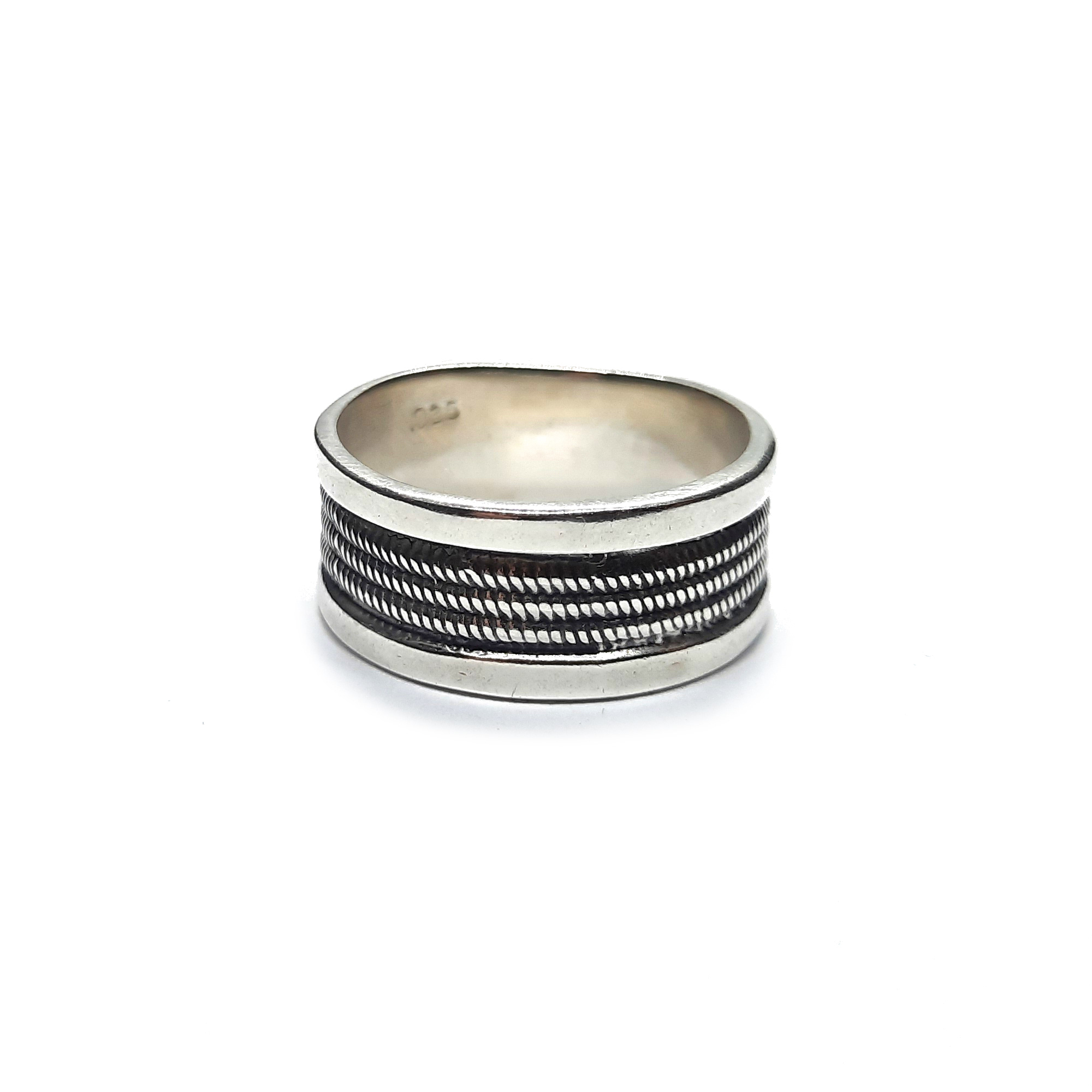 Silver ring - R002235